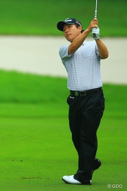 2013年 日本ゴルフツアー選手権 Shishido Hills 初日 チョ・ミンギュ いつもキャディをしてくれるお兄さんがお休みで「ちょっぴり寂しい(笑)」と冗談も飛び出す単独首位