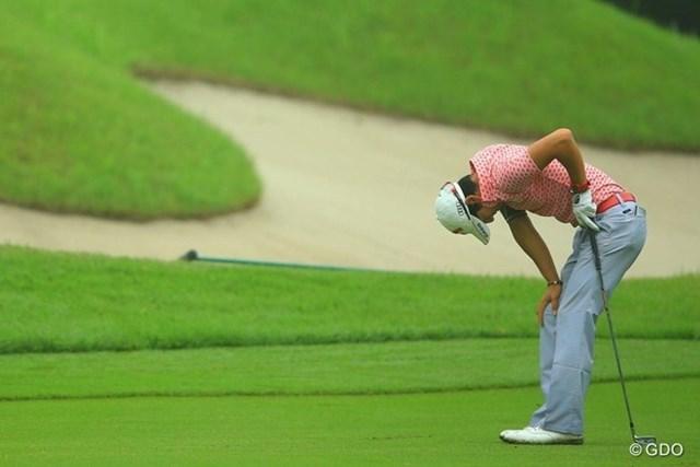 2013年 日本ゴルフツアー選手権 Shishido Hills 初日 石川遼 自分の不甲斐なさに、14番2ndショットを引っ掛けてガックリ。