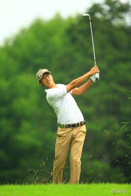 2013年 日本ゴルフツアー選手権 Shishido Hills 2日目 パク・ウンシン 以前に遼くんが契約していたメーカーとの契約と言うこともあるし、何となく体系も似てるし、たまに遠目に見たギャラリーからは「あっ、遼くんだ!」と言われてます。単独首位に