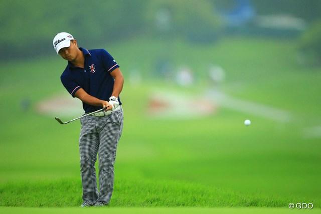 2013年 日本ゴルフツアー選手権 Shishido Hills 2日目 小平智 18番チップインバーディ!首位と1打差の単独2位です。昨年の今大会では、大叩きでブッチギリの予選落ちをしましたが、この1年での成長を物語っていますね。