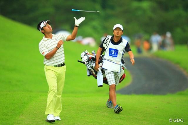 2013年 日本ゴルフツアー選手権 Shishido Hills 2日目 松山英樹 バトントワリング部かのように、今日はクラブが飛びまくりでしたね。