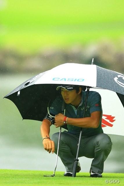 2013年 日本ゴルフツアー選手権 Shishido Hills 2日目 石川遼 17番でスコアボードをジッと見つめる遼くん。