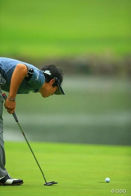 2013年 日本ゴルフツアー選手権 Shishido Hills 2日目 石川遼 17番バーディパットは、半分ぐらいボールがカップを覗いているのですが・・・。これが入っていればなぁ。
