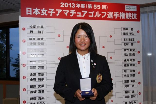 初優勝を狙う14歳の松原。メダリストの栄誉を得て、決勝ラウンドに進む。(写真提供:JGA)