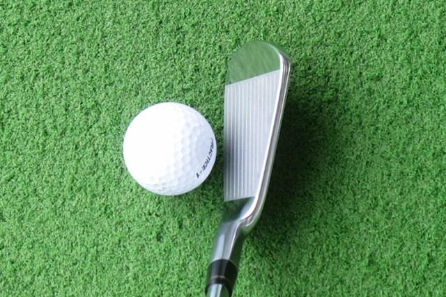 新製品レポート 本間ゴルフ TW717 V アイアン 構えた時の顔はなんとも秀逸。これぞアスリート系アイアン