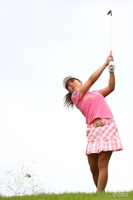完璧、攻めのゴルフで2勝目