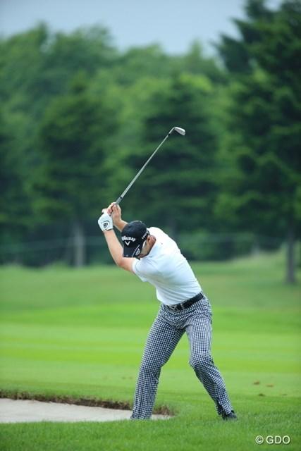 2013年 長嶋茂雄 INVITATIONAL セガサミーカップゴルフトーナメント 初日 ブレンダン・ジョーンズ この写真、トップじゃなくて、ブチ切れてバンカーをぶっ叩く直前なのです