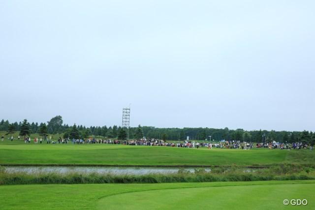 2013年 長嶋茂雄 INVITATIONAL セガサミーカップゴルフトーナメント 初日 ギャラリー 松山組だけ、このギャラリー