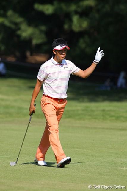 出入りの激しいゴルフながら4位タイと大健闘をする上井邦浩