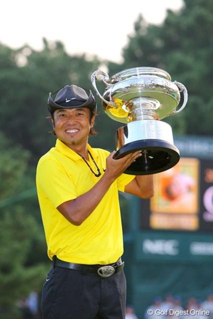 「日本オープン」でツアー25勝の永久シードを決めた片山晋呉