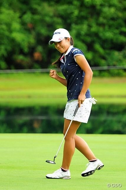 2013年 日医工女子オープンゴルフトーナメント 最終日 中山三奈 昨日67をマークした神戸のミナちゃん。3番ショートでバーディを決めてガッツポーズ!13位タイフィニッシュで賞金総額297万…。ガンガレ~!