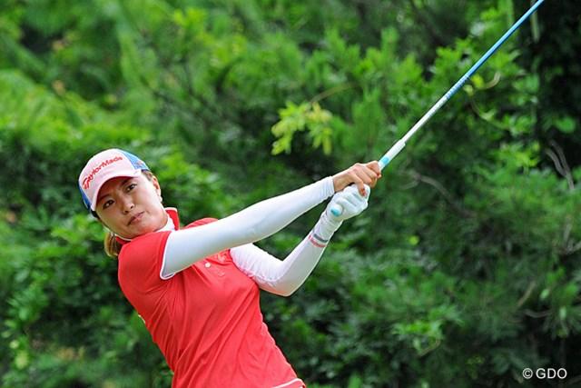 2013年 日医工女子オープンゴルフトーナメント 最終日 ジャン・ウンビ 12アンダーまで伸ばして、首位に1打差に肉薄したけど、最終ホールのボギーでチ~ン…。初優勝近そうな雰囲気はあります。3位T