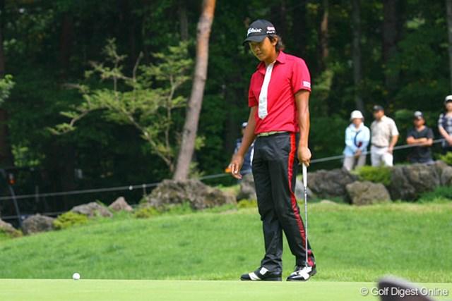 正規の18番で1.5mのバーディパットを外した岩田寛。チャンスをものに出来なかった。