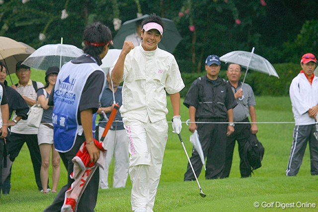 スタートの10番でチップインパーを奪った石川遼