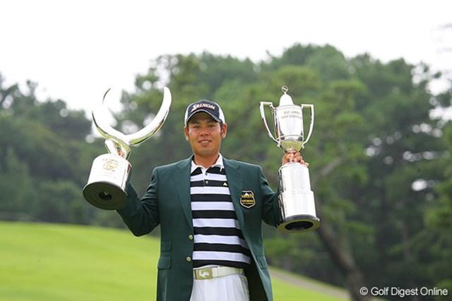 逃げ切りのプレッシャーに勝ちツアー初優勝を果たした27歳の甲斐慎太郎