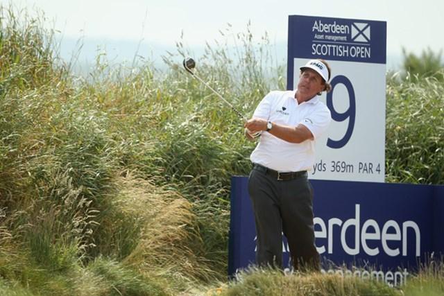 2013年 アバディーンアセットマネジメント スコットランドオープン 初日 フィル・ミケルソン 全英オープンの前哨戦。フィル・ミケルソンも好スタートを切った。(Andrew Redington/Getty Images)