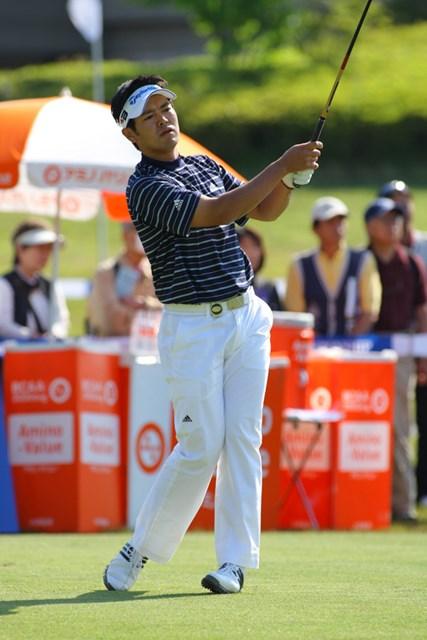 地元出身の武藤俊憲が2位に3打差をつけるロケットスタート!