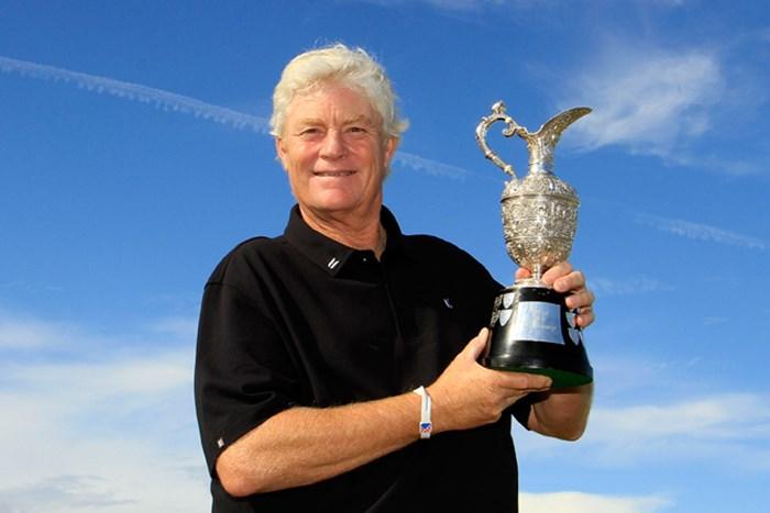 2日間に渡ったプレーオフを制し、メジャー初勝利を飾ったM.ウィーブ(Phil Inglis /Getty Images) 2013年 全英シニアオープン 月曜日(予備日) マーク・ウィーブ