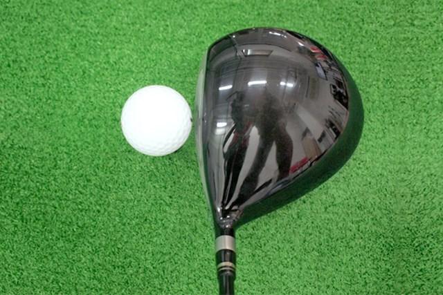 マーク試打 リョーマゴルフ D-1 MAXIMA typeD ヘッドは、ややディープフェースで、三角形に近い形状をしている