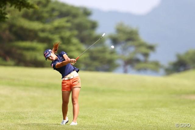 2013年 NEC軽井沢72ゴルフトーナメント 初日 渡邉彩香 飛距離を武器にする大型ルーキー。渡邉彩香が2位発進!