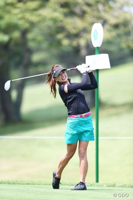 美人ゴルファーの笑顔はやっぱり良いよね。3アンダー10位タイ