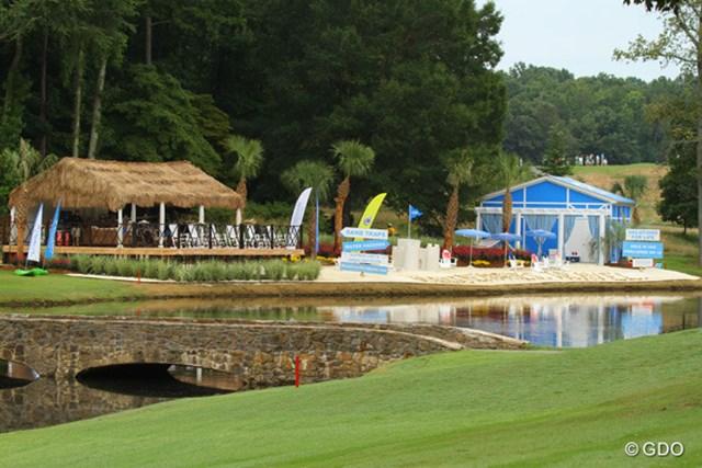 2013年 ウィンダム選手権 2日目 小さなリゾート コースの脇に作っちゃったそうです。水辺は海ではなく、池。