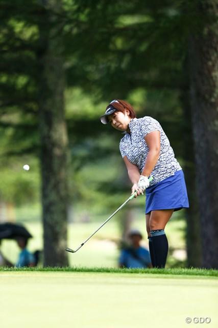 2013年 NEC軽井沢72ゴルフトーナメント 2日目 吉田弓美子 ディフェンディングチャンピオンはトップと6打差7アンダー6位タイ。逆転優勝は?