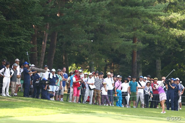 2013年 NEC軽井沢72ゴルフトーナメント 2日目 豊永志帆 昨日のトップも、2日目は苦戦。7アンダー6位タイに後退