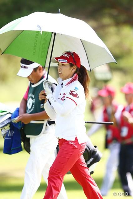 2013年 NEC軽井沢72ゴルフトーナメント 2日目 笠りつ子 5つスコアを伸ばし8アンダー。明日の最終日最終組はバーディ合戦?