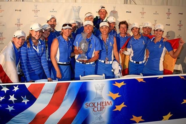 大会連覇を果たし歓喜に沸く欧州選抜のメンバーたち(Getty Images)