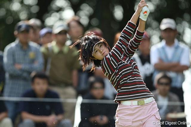 諸見里しのぶ 2006年大会の覇者、諸見里しのぶが首位に1打差で最終日を迎える!
