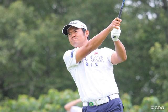 武藤俊憲/2013年 関西オープン2日目 大会連覇を狙う武藤俊憲はスコアを1つしか伸ばせず10位タイ
