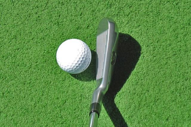 新製品レポート 本間ゴルフ ツアーワールド TW-U 今では滅多に見なくなったアイアン型のユーティリティで難しそうだが、従来のモデルに比べ、ボールの上がりやすさ、飛距離性能は向上している
