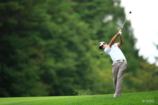 最近好調ですねぇ。ゴルフに安定感があります。初優勝も近いのでは?3つスコアを伸ばし首位タイです。