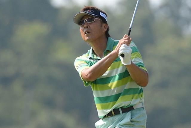 2013年 コマツオープン 2日目 奥田靖己 トップタイに躍り出た奥田。混戦のまま最終日を迎える。(画像提供:日本プロゴルフ協会)
