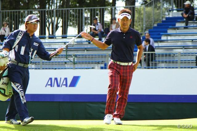 2013年 ANAオープンゴルフトーナメント 事前 藤田寛之 昨年は歓喜の中心にいた18番グリーン。藤田は今年、秋口にシーズン初勝利を狙う。