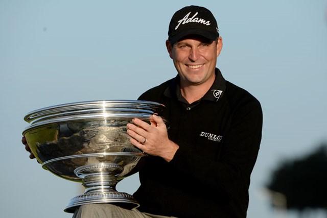 2013年 アルフレッド・ダンヒル・リンクス選手権 最終日 デビッド・ハウエル D.ハウエルがプレーオフを制し、7年ぶりツアー通算5勝目をマークした(Ross Kinnaird/Getty Images)