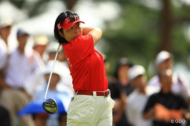 2013年 日本女子オープンゴルフ選手権競技 初日 不動裕理 3連続バーディなどでスコアを伸ばしました。やっぱりタフなセッティングになると強さを発揮しますねぇ。5位タイスタート。