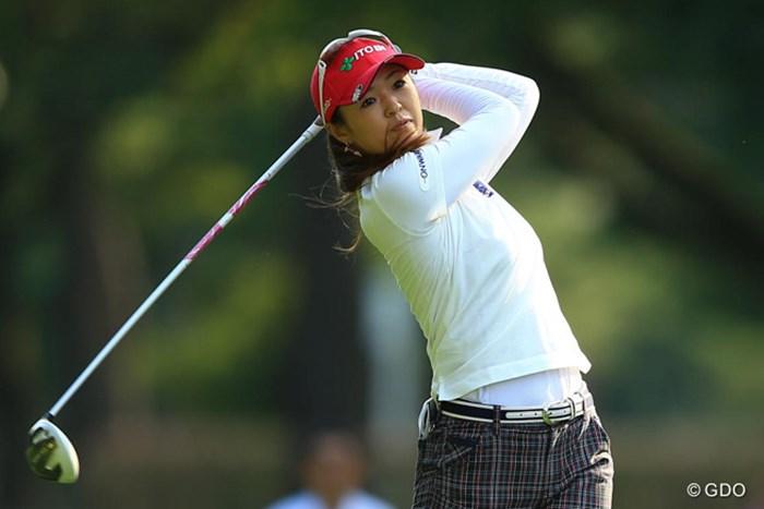 結婚した事で、ゴルフも良い方向へ向かっているのでしょうか?予選会からの出場ですが、イーブンパー7位タイとがんばっています。 2013年 日本女子オープンゴルフ選手権競技 初日 日下部智子