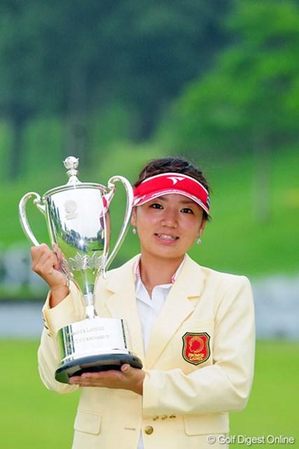 ツアー初勝利を圧勝で飾った有村智恵。今後のさらなる活躍が期待される