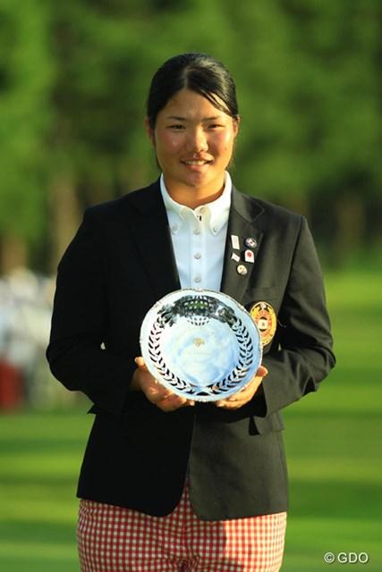 予選通過に続き、大会最年少記録で「ローアマ」タイトルを手にした松原由美