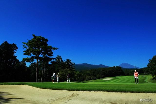 今日は朝から快晴で暑い一日でした。ようやく富士山の姿も。