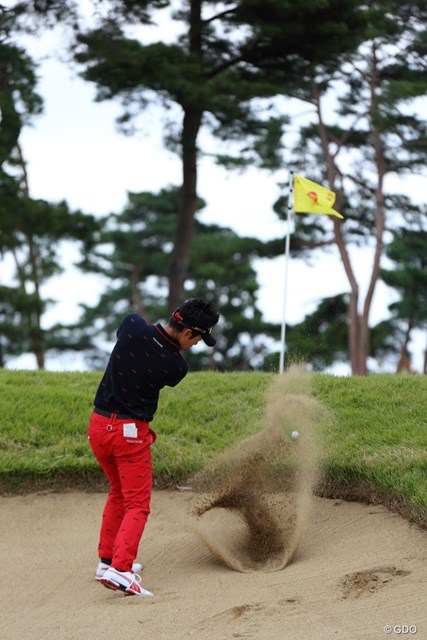 2013年 日本オープンゴルフ選手権競技 3日目 キム・ヒョンソン 目玉からこのアゴをものともせず脱出成功!