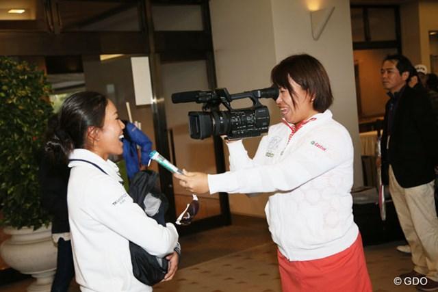 2013年 富士通レディース 最終日 吉田弓美子 中山三奈 あれれれ・・・インタビューをしているのは吉田弓美子選手ではないですかっておふざけです