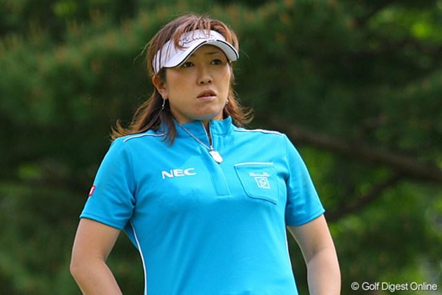 全とは対照的にパーが8つのみと出入りの激しいゴルフとなった福嶋晃子