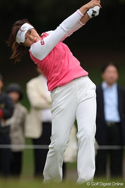 6バーディ、4ボギーと2日間激しいゴルフを続ける福嶋晃子
