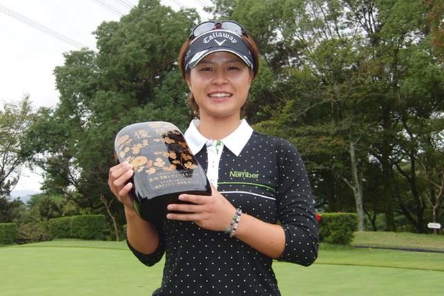 ツアー通算3勝目、2013年ステップアップツアー最終戦を制した永田あおい(※画像提供:LPGA)