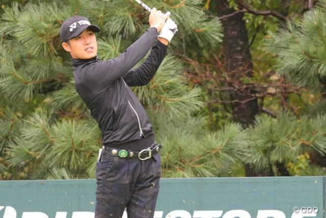 2013年 ブリヂストンオープンゴルフトーナメント 2日目 朴銀信 バンカーからナイスリカバリー。この日7ストローク伸ばした朴銀信