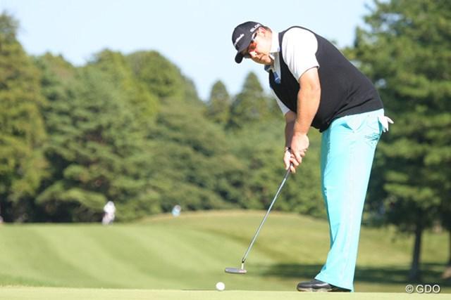 2013年 ブリヂストンオープンゴルフトーナメント 最終日 カート・バーンズ 柄ものではないパンツ姿のバーンズが3位タイに食い込んだ