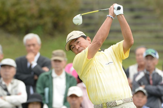 2013年 第23回日本シニアオープンゴルフ選手権競技 初日 室田淳 賞金ランク首位の室田淳が6アンダーで首位タイの好発進を決めた※画像提供:日本ゴルフ協会
